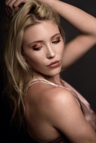 Model: Fehla Foto: Pixelplay